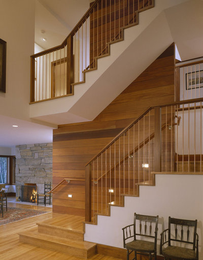 Transitional Staircase by HP Rovinelli Architects