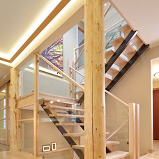Traditional Staircase by Habitat Studio