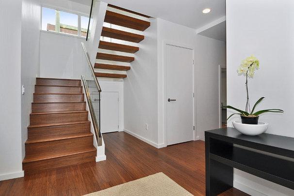 Contemporary Staircase by InHaus Development Ltd