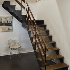 Modern Staircase by Laurie Lieberman Architects