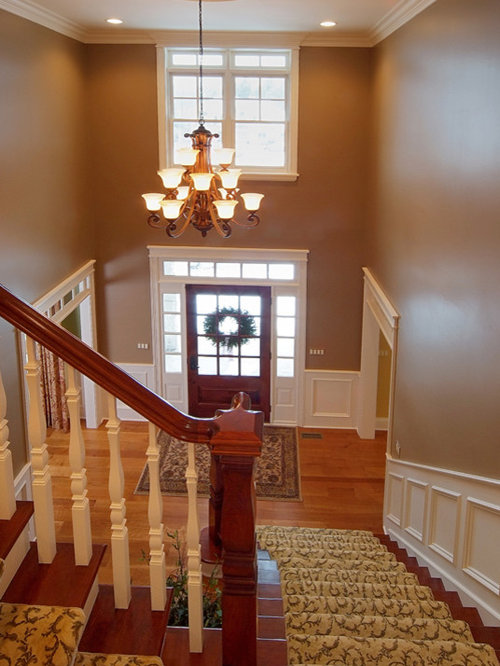 Chair rail molding staircase design ideas pictures for Traditional foyer decorating ideas