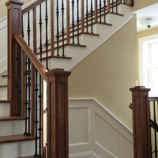 Idéer för mellanstora vintage trappor