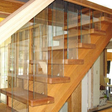 Contemporary Staircase by Roes Stair Company