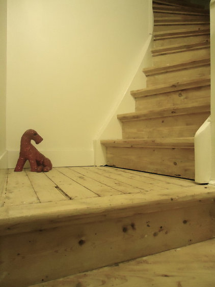 Contemporary Staircase by Saus Design