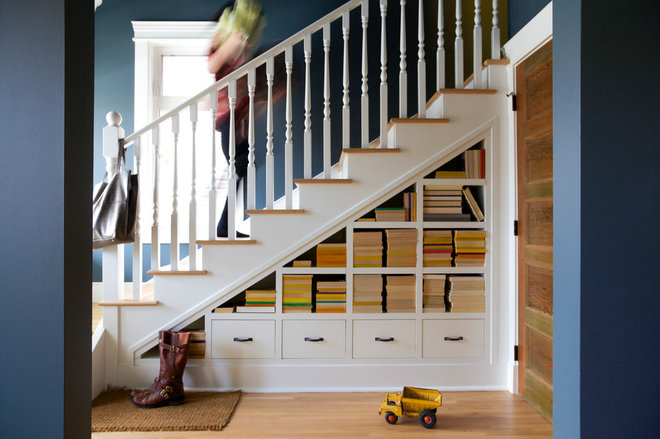 Transitional Staircase by Lynn Donaldson & Associates