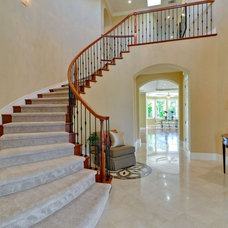 Traditional Staircase by Rayco Painting