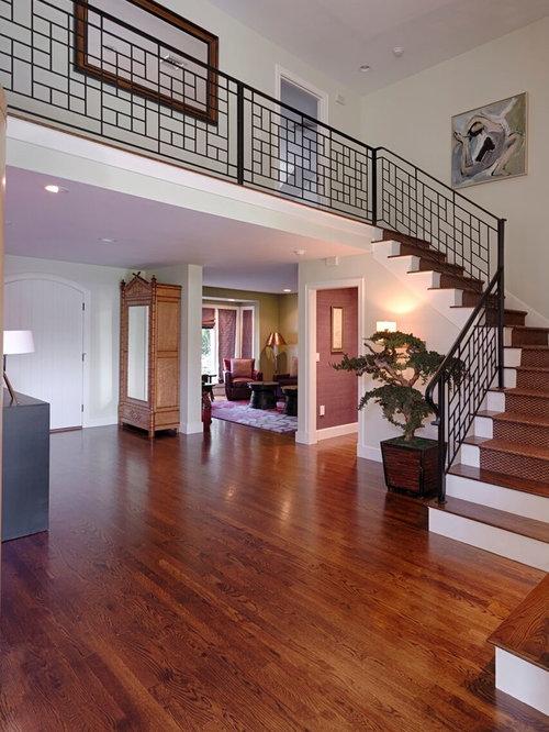 asiatische treppen mit gebeizten holz setzstufen ideen f r treppenaufgang treppenhaus. Black Bedroom Furniture Sets. Home Design Ideas
