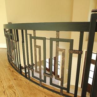 Modelo de escalera curva, clásica renovada, extra grande, con escalones de madera y contrahuellas con baldosas y/o azulejos
