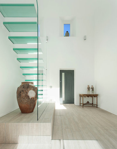 Contemporary Staircase by AR Design Studio Ltd