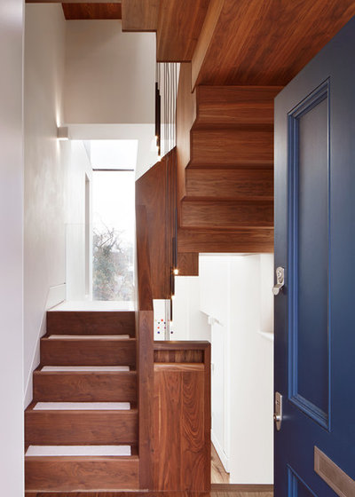 Contemporary Staircase by Fraher and Findlay
