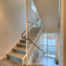 Modern Staircase by Dan Nelson, Designs Northwest Architects