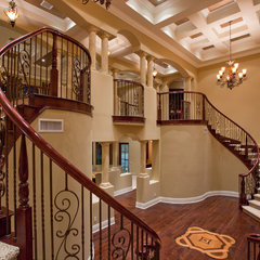 traditional staircase by Toblesky-Green Architects
