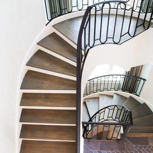 Modelo de escalera curva, de estilo americano, extra grande, con escalones de madera