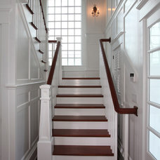Beach Style Staircase by Asher Associates Architects