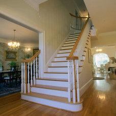 Traditional Staircase Traditional Staircase