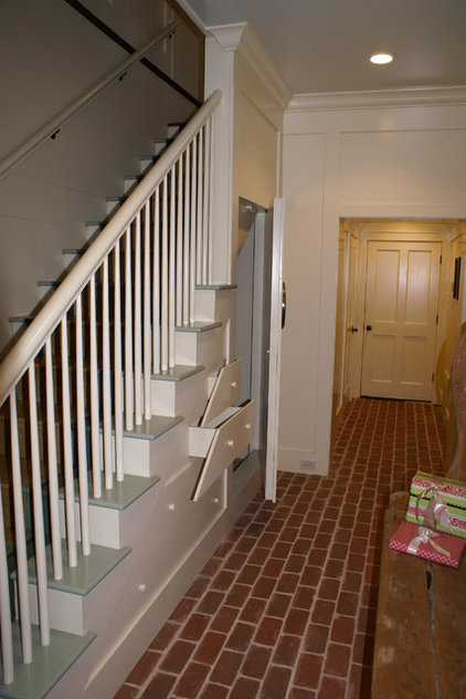 Entry and enclosed exterior staircase for Enclosed staircase design