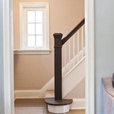 Traditional Staircase by BiglarKinyan Design Planning Inc.