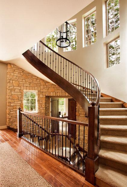 Transitional Entry by Garrison Hullinger Interior Design Inc.