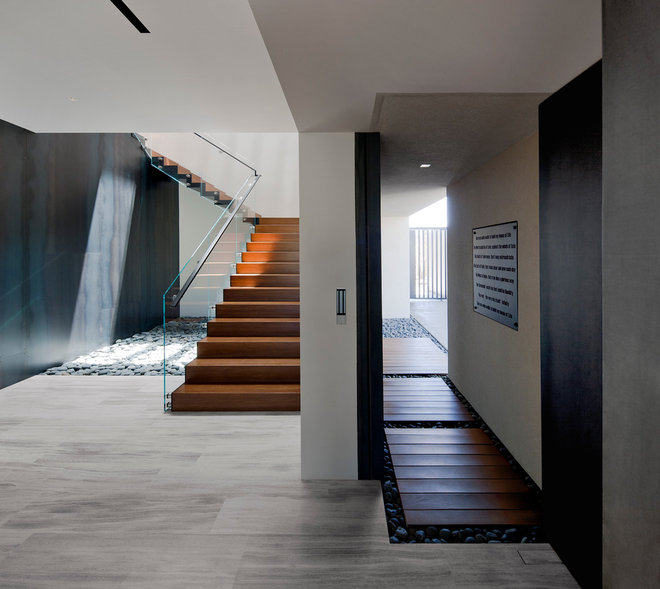 Contemporary Staircase by Assemblage Studio