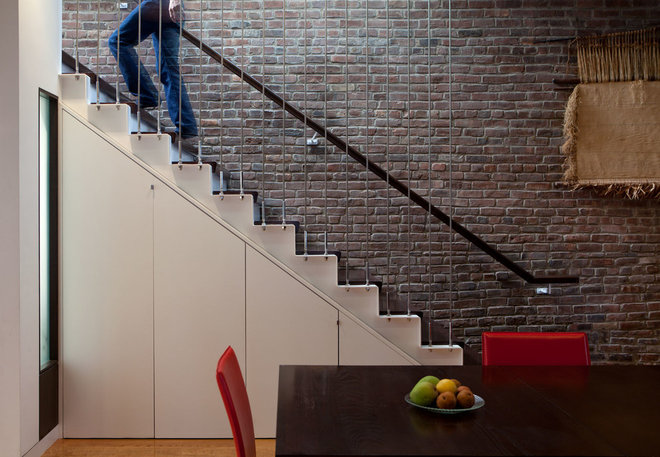 Contemporary Staircase by Matiz Architecture & Design