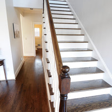 Traditional Staircase by CR Home Design K&B (Construction Resources)