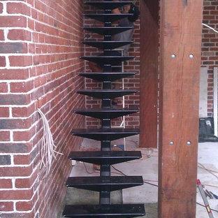 パースのインダストリアルスタイルのおしゃれな階段の写真