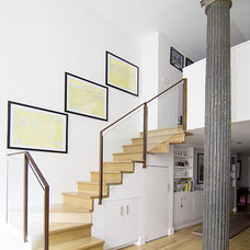 Modern Staircase by kimberly peck architect