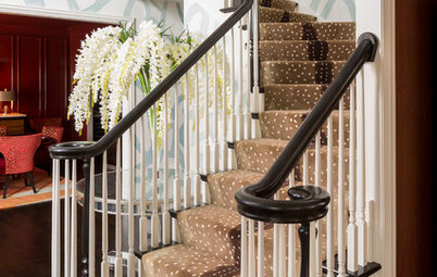 Room of the Day: Suburban Foyer Makes a Powerful First Impression