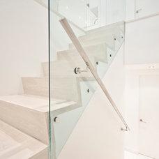 Modern Staircase by StudioLAB, LLC