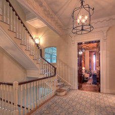 Traditional Staircase by J F ROESEMANN BUILDERS INCORPORATED