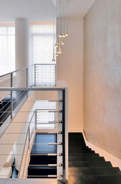 Modern Staircase by West Chin Architects & Interior Designers