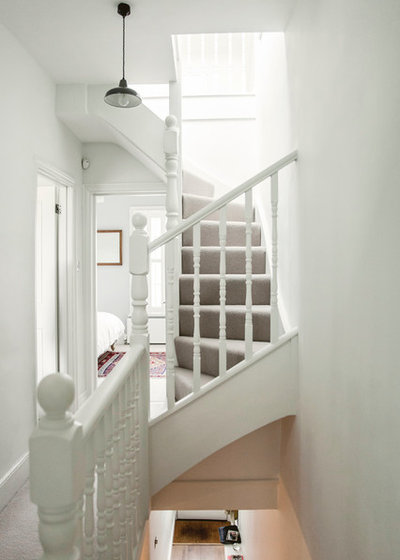 Contemporary Staircase by Alberts House Ltd
