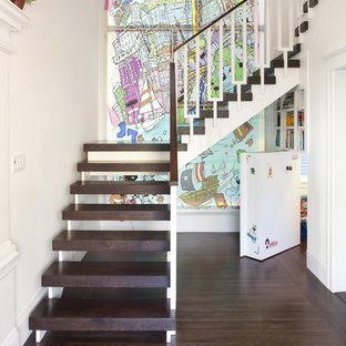 Modelo de escalera en L, ecléctica, sin contrahuella, con escalones de madera