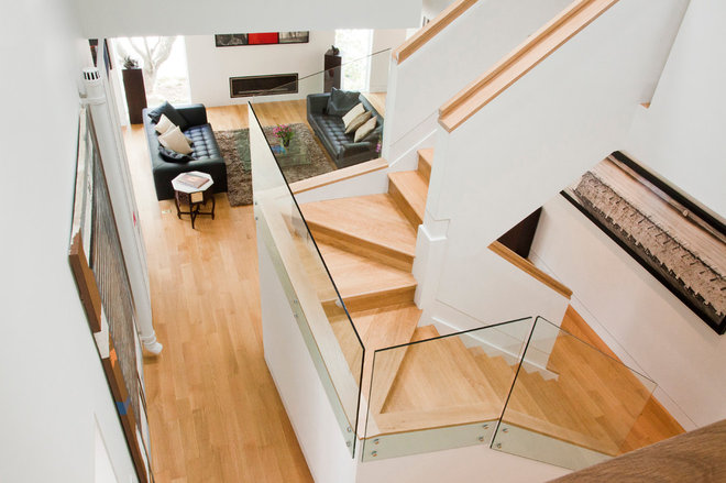 Contemporary Staircase by Shinberg Levinas Architectural Design