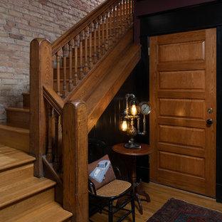 ミネアポリスのヴィクトリアン調のおしゃれな階段の写真