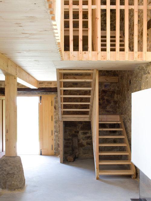 Fotos de escaleras dise os de escaleras r sticas - Decorar bodega chalet ...