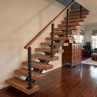 Неиссякаемый источник вдохновения для домашнего уюта: лестница в стиле модернизм
