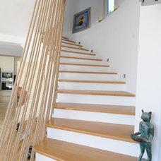 Contemporary Staircase by Feridun Özçelik