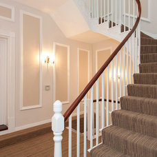 Traditional Staircase by Ecologgia Architects