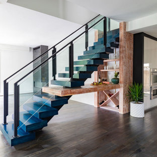 Staircase - contemporary staircase idea in Houston
