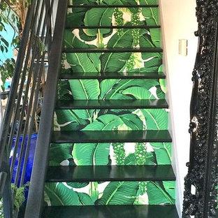 サンフランシスコのトロピカルスタイルのおしゃれな階段の写真