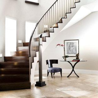 Große Moderne Treppe mit Holz-Setzstufen und Mix-Geländer in New York