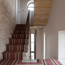 Contemporary Staircase by LeichtUSA