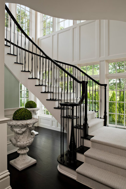 Traditional Staircase by Robert A. Cardello Architects