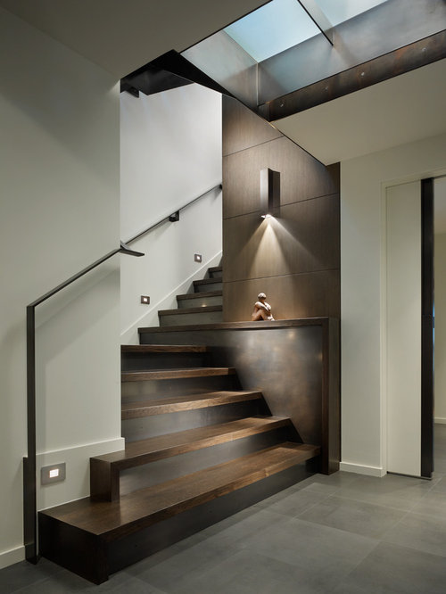 Contemporary staircase design ideas remodels photos for Suelo waterfront