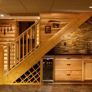 Новые идеи обустройства дома: лестница в стиле рустика