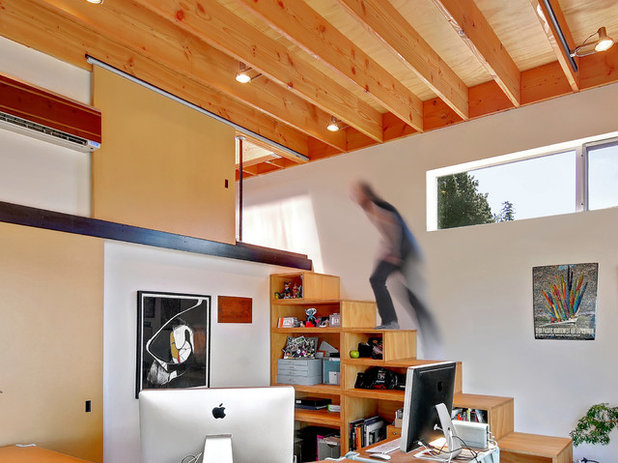 Modern Staircase by Pierce Design