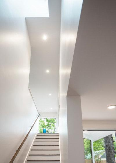 Transitional Staircase by Arbib Hughey Design