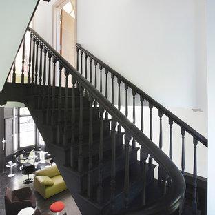 ロンドンのエクレクティックスタイルのおしゃれな階段の写真