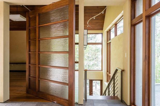 Contemporary Staircase by Envi Interior Design Studio